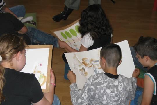 Illustratorin Jenny Brosinsky in der Buchhandlung Mundo Azul